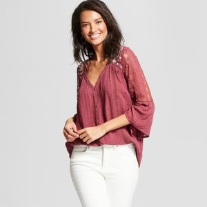 Women's 3/4 Sleeve Embroidered Lace Arm Button